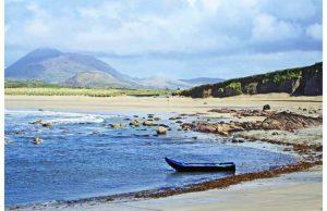 Фотообои Лодка на берегу