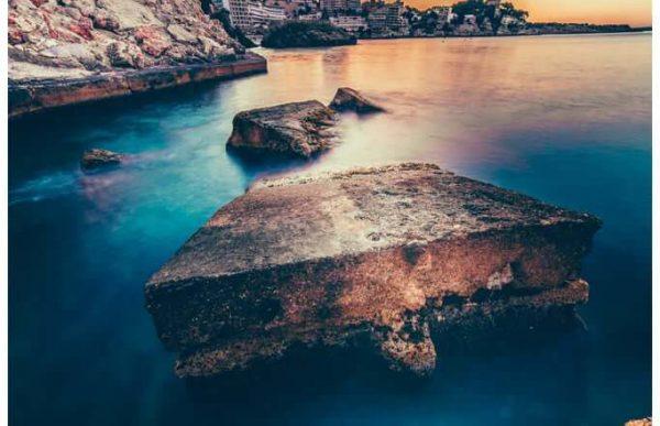 Фотообои Валуны в воде