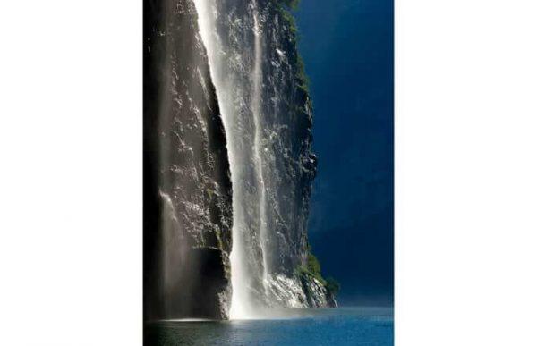 Фотообои Высокий водопад