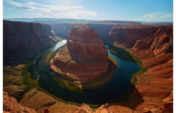 Фотообои Скала среди реки