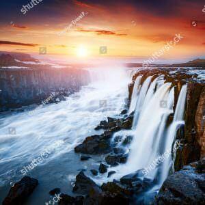Фотообои Водопады на фоне заката