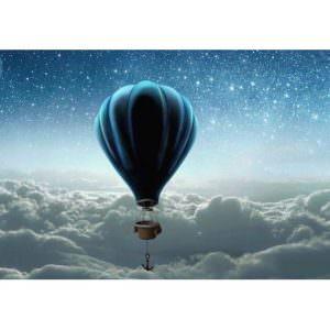 Фотообои Воздушный шар над облаками