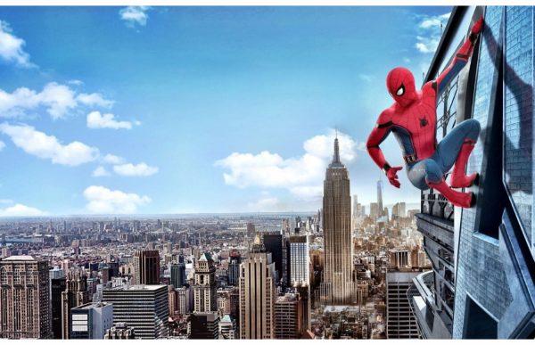 Фотообои Человек Паук на фоне Нью-Йорка